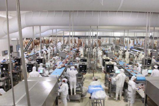 de la mano de china crecen las exportaciones de carne bovina, pero el mercado interno no muestra signos de recuperacion.