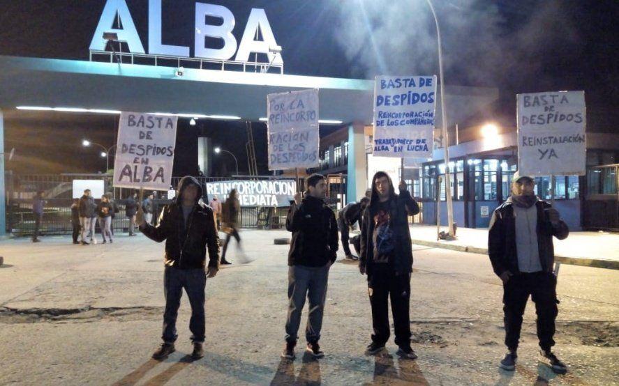 Tras los despidos en ALBA, trabajadores continúan con el reclamo para exigir la reincorporación