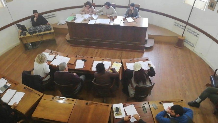 Mar Chiquita: tres concejales apretadas por el oficialismo para que aprobaran una polémica ordenanza