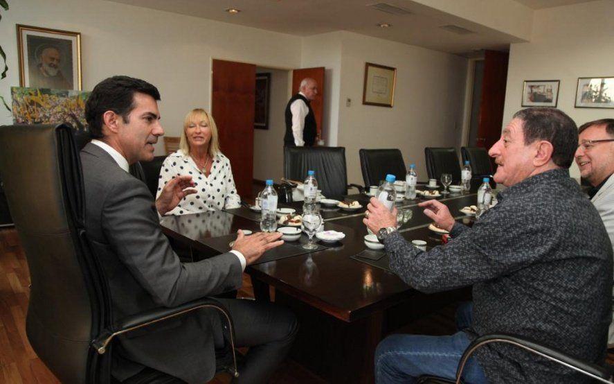 Urtubey se reunió con dirigentes bonaerenses y amplía el armado del peronismo federal