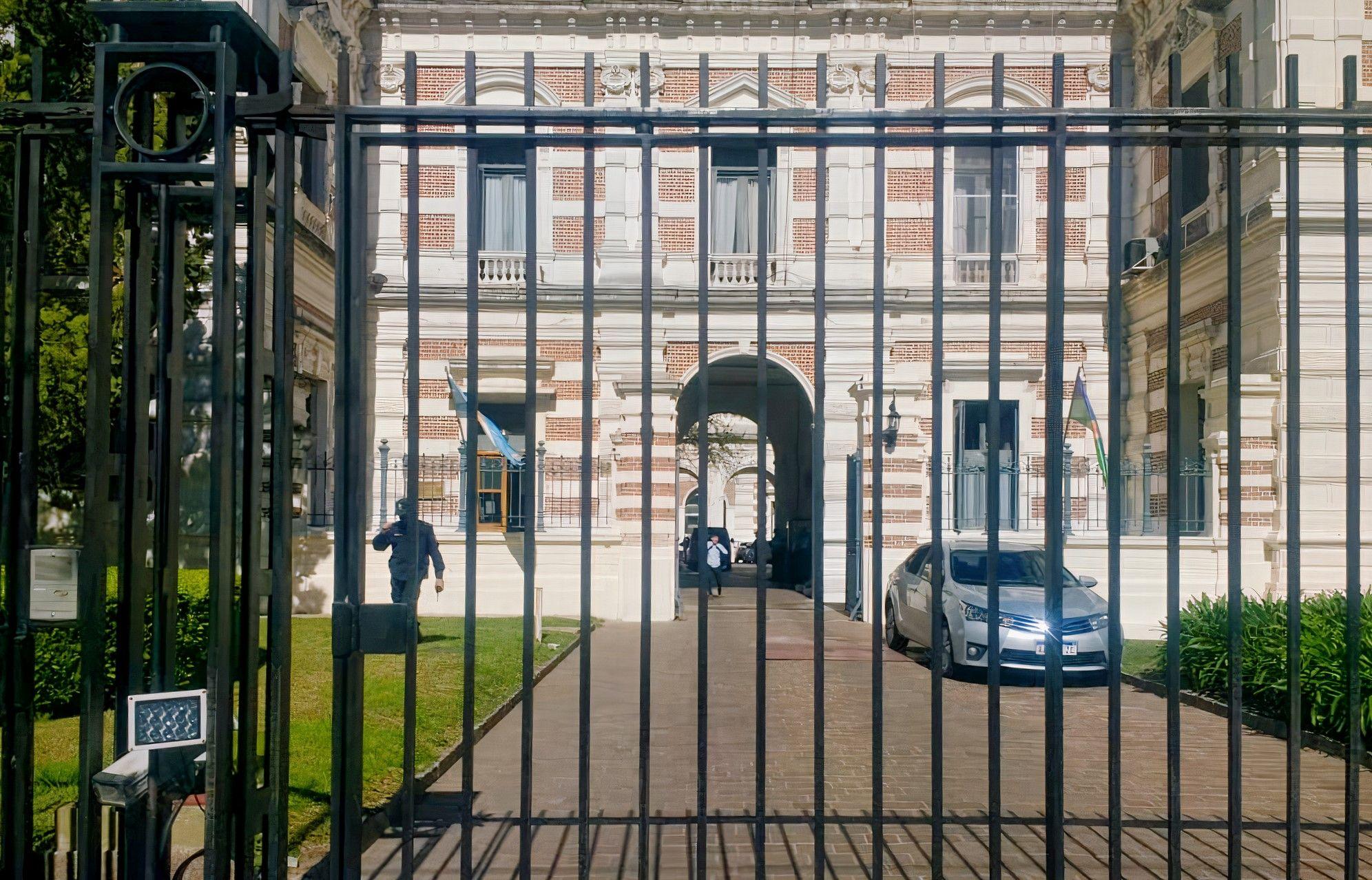 A puertas cerradas, Axel Kicillof e intendentes del Frente de Todos en el interior bonaerense, ponen de acuerdo cómo seguir tras las elecciones.