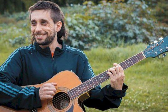Juan Cruz Marciani, cantante de Encías Sangrantes.