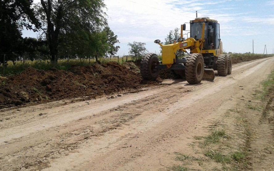 Agroindustria anunció obras para reparar 4.000 kilómetros de caminos rurales