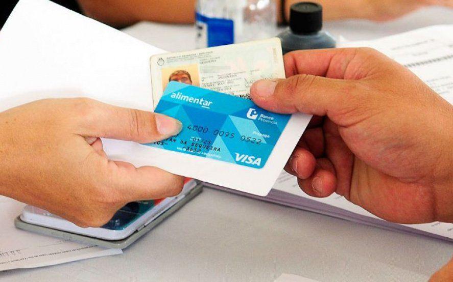Los titulares de la AUHcon DNI finalizado en 0, 1,2 y 3 cobrarán la tarjeta Alimentar, informó ANSES.