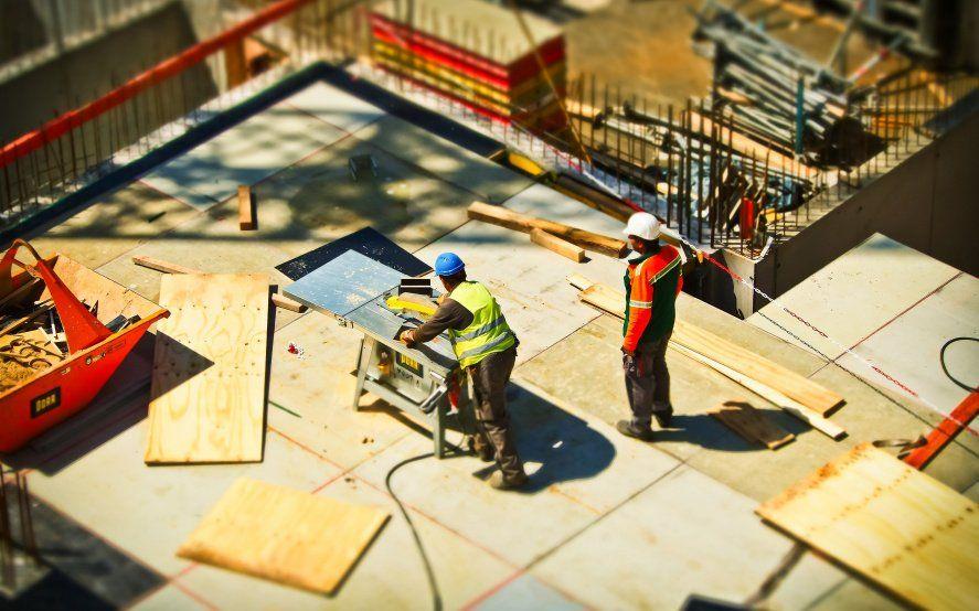 El 47% de las constructoras cree que las suspensiones seguirán hasta octubre