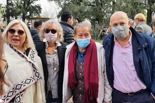 Elisa Carrió, Marcela Campagnoli, Toty Flores y Andrés de Leo durante la presentación de la lista Es Juntos para las elecciones en la provincia de Buenos Aires.