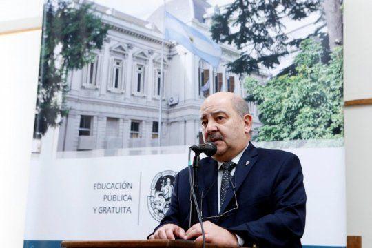 por su trayectoria en la educacion publica, distinguen como doctor honoris causa al presidente de la unlp
