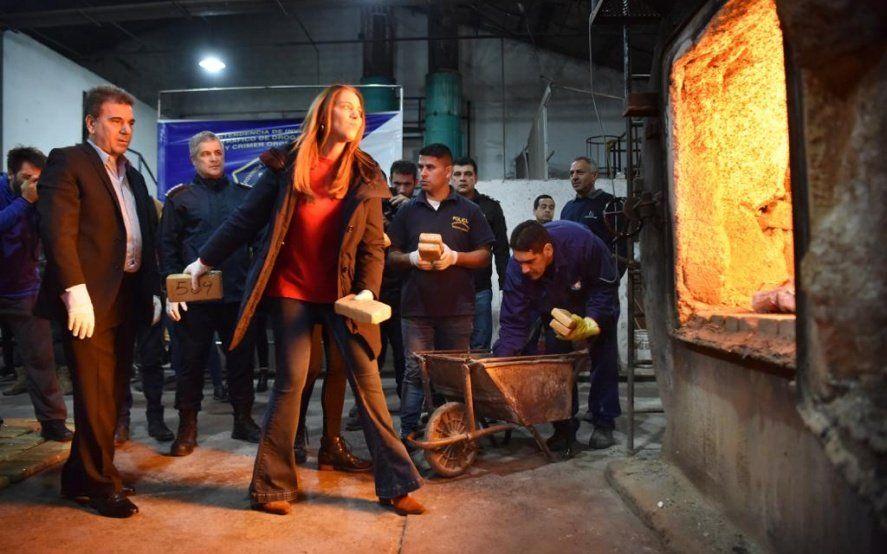 Lucha contra el narcotráfico: quemaron más de 4.500 kilos de droga decomisada en el cementerio de Boulogne