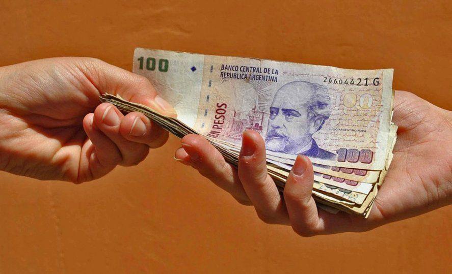 La víctima de la extorsión pagó 30.000 pesos y 100 dólares