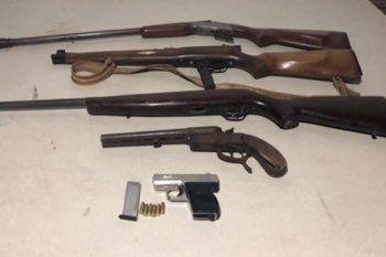 En los allanamientos para atrapar a la banda se incautaron estas armas