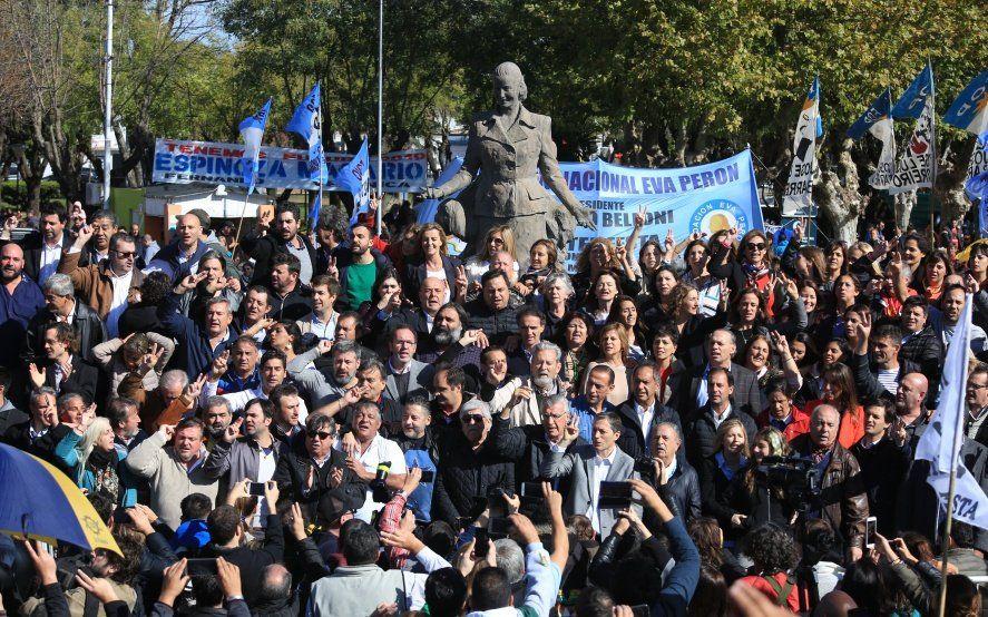 Con Moyano y Duhalde, el peronismo homenajeó a Evita y espera la definición de Cristina