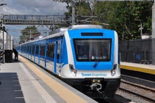 servicio limitado: quienes quieran viajar en el tren roca a capital deberan hacerlo desde villa elisa