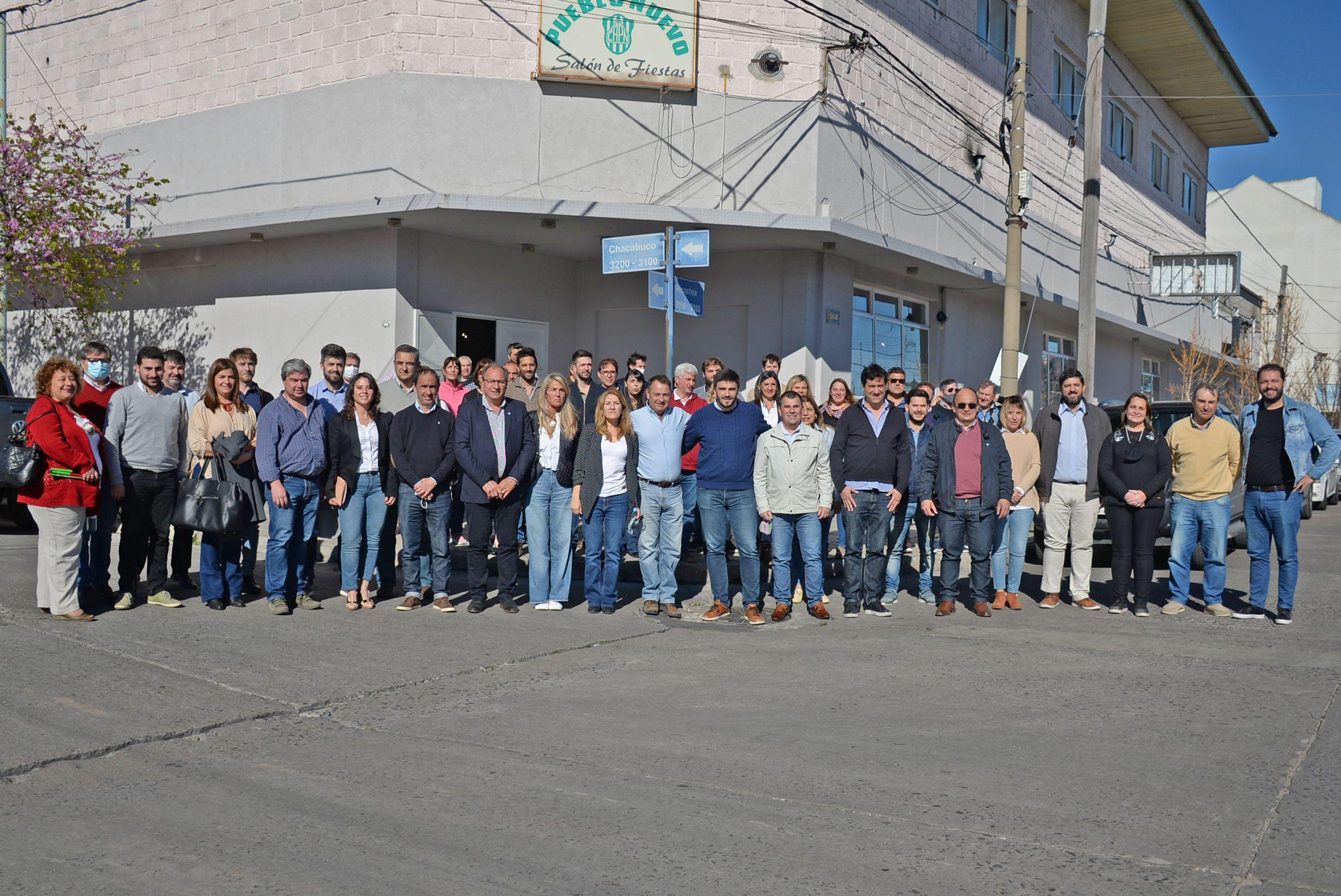 Intendentes de la séptima sección electoral y legisladores provinciales de Juntos mostraron otra imagen de unidad en Olavarría.
