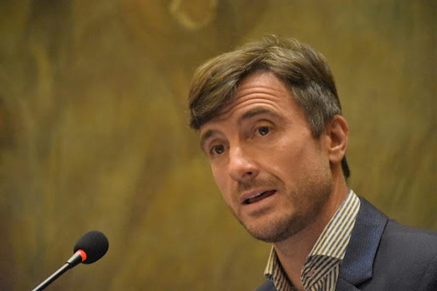 Lucas Ghi recibió fuertes críticas por parte del legislador