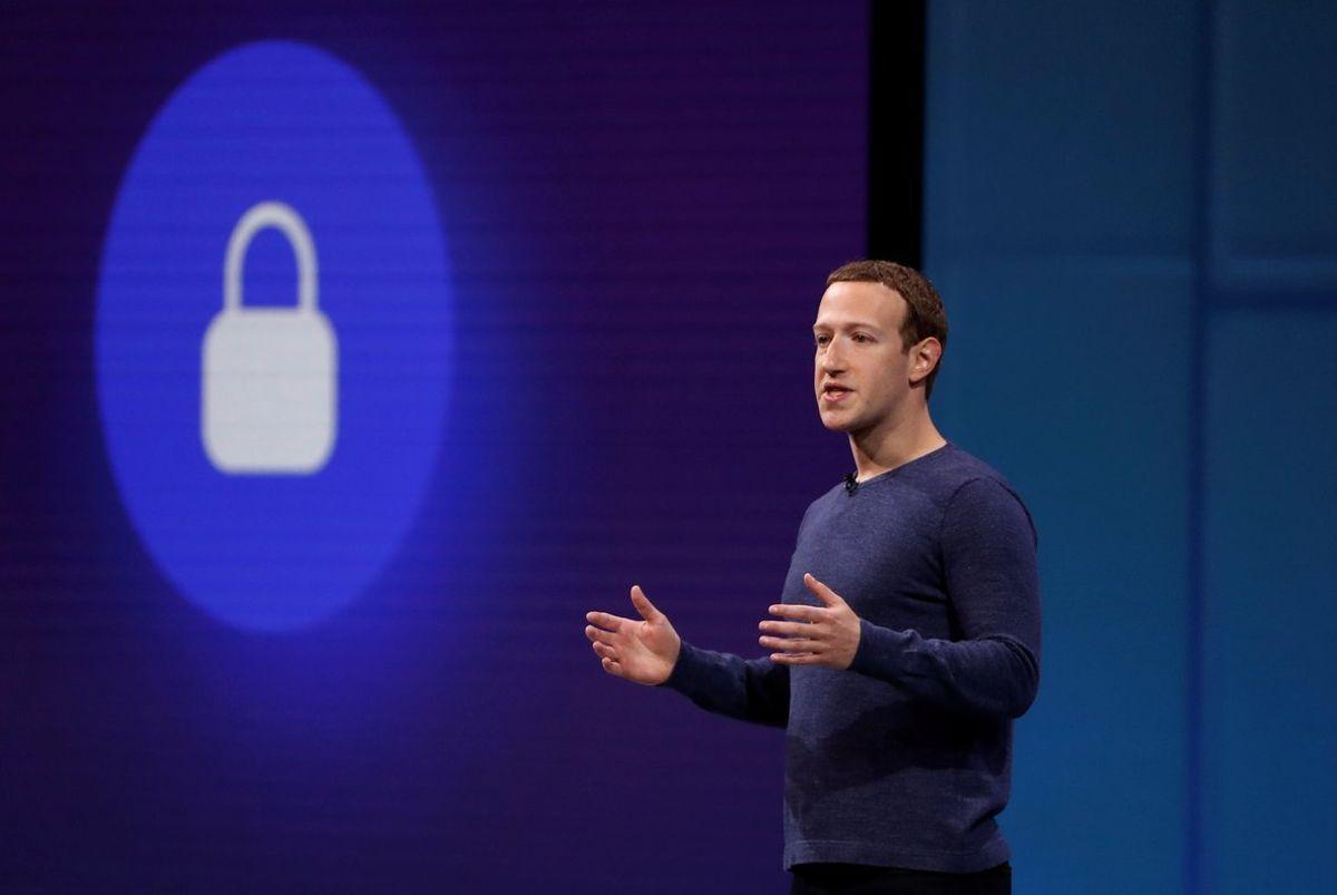 Facebook, cuyo CEO es Mark Zuckerberg, afronta un momento de exposición total