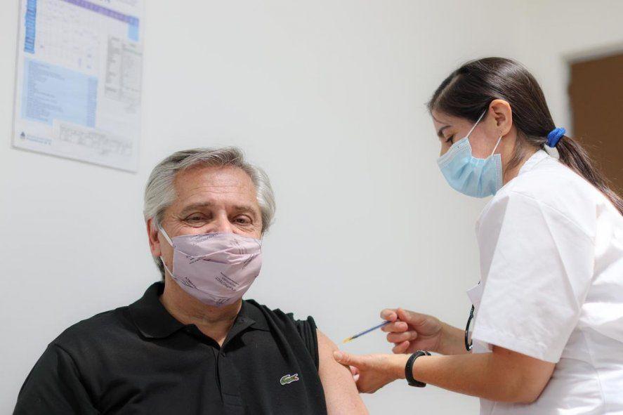 Alberto Fernández recibió la primera dosis de la vacuna contra el coronavirus.