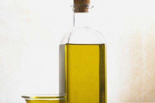 prohiben la venta de dos aceites de oliva y un mani tostado con cascara en todo el pais