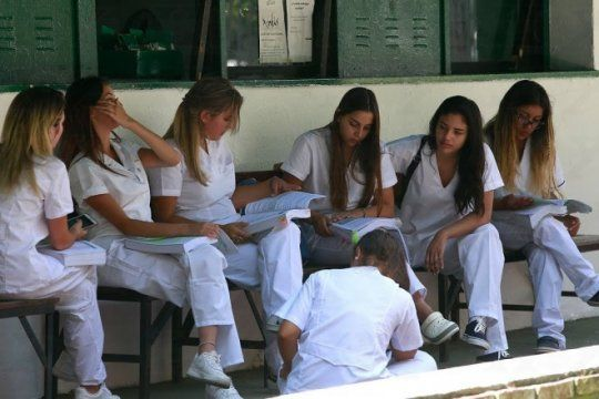 mas de 20 mil estudiantes de la unlp realizaran practicas en hospitales de la plata y la region