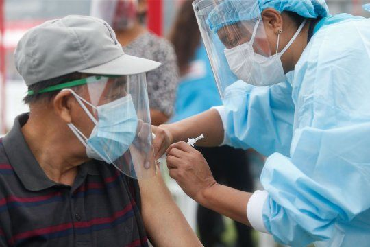 Vacunas: mayores de 60 años podrán ir a vacunarse sin turno