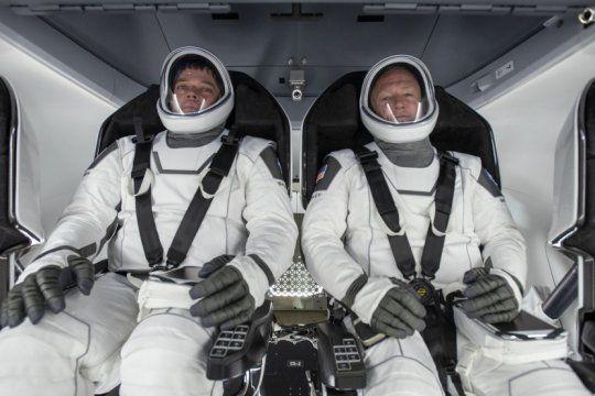 El comandante Douglas Hurley y su piloto Robert Behnken serán los astronautas que despegarán esta tade (NASA)