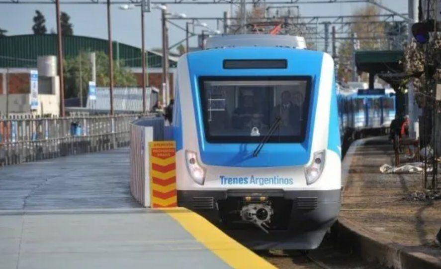 El servicio de trenes de cercanías de la Línea Roca volverá a funcionar este lunes.