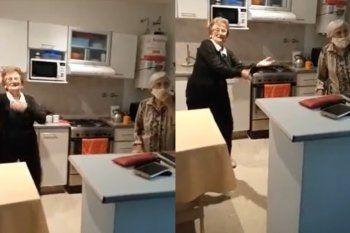 La reacción de las dos hermanas quedó registrada en un video