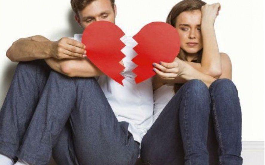 No culpes a la plata: Aseguran que las crisis económicas motivan la infidelidad en las parejas