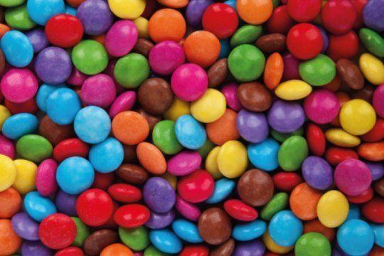 la anmat prohibio la venta en todo el pais de unos confites de chocolate y un oregano deshidratado