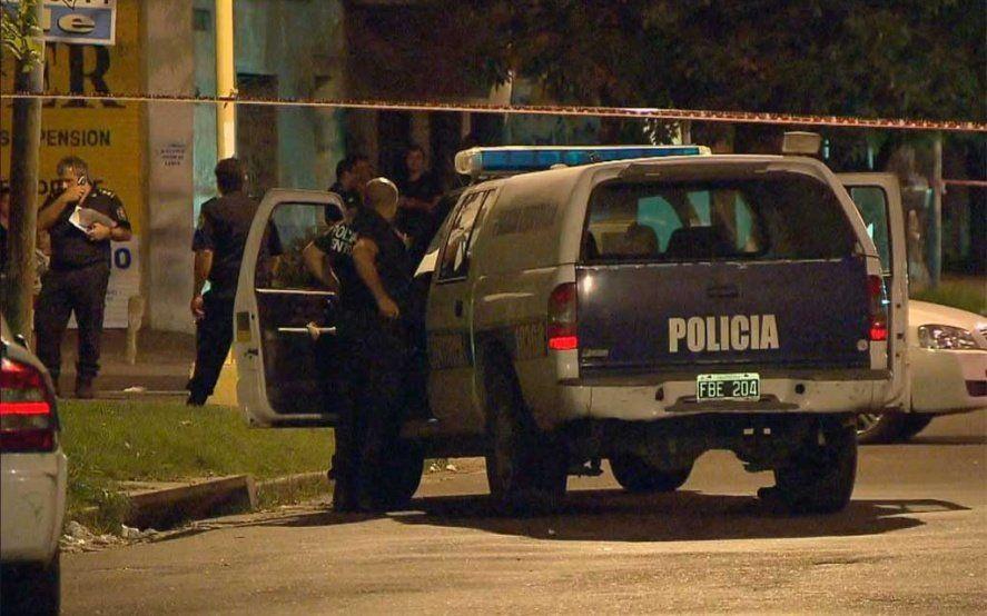 La Tablada: tres delincuentes mataron a un policía y le robaron el arma reglamentaria