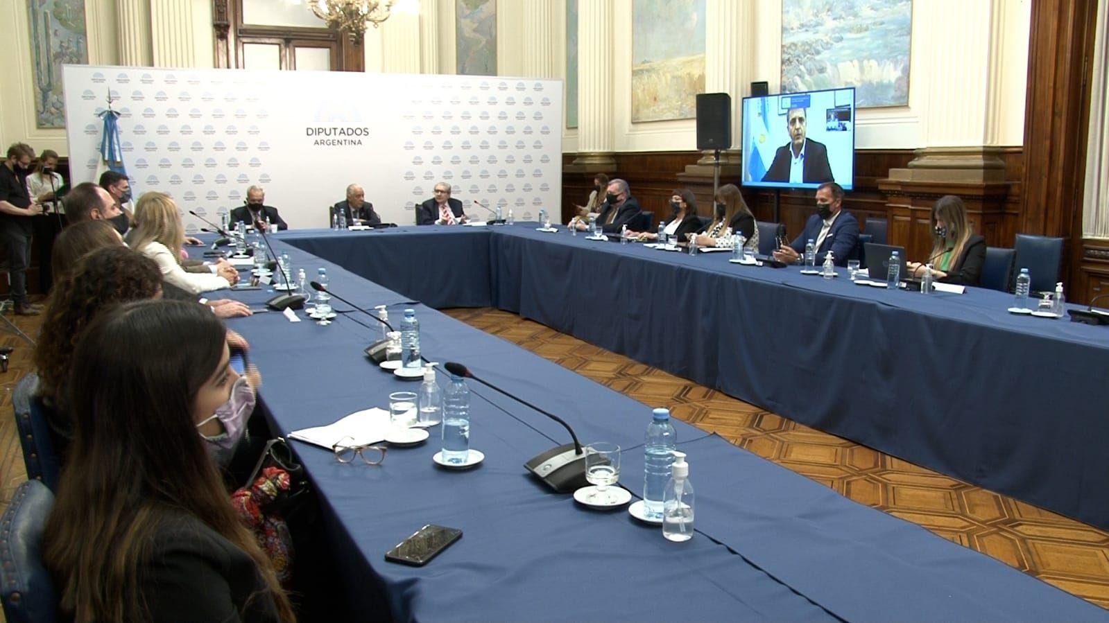 Sergio Massa debatió la digitalización en salud