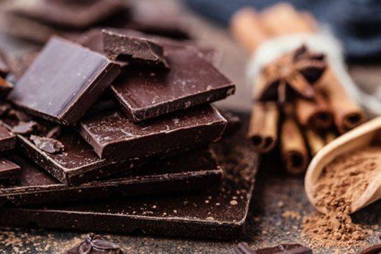 la anmat prohibio la venta de un chocolate con almendras y de un producto odontologico