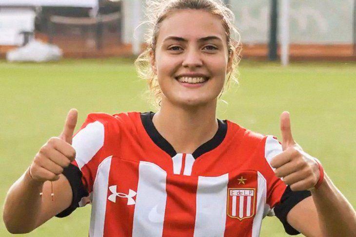 Julieta Lema, figura y promesa en el fútbol femenino de Estudiantes.