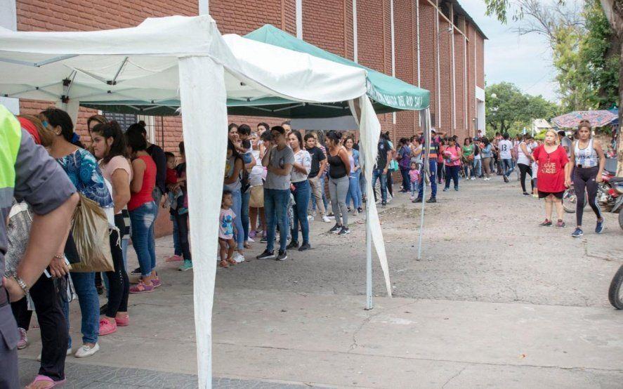 Argentina contra el Hambre: El Gobierno ya entregó el 30% de las tarjetas Alimentar y llegará a 70% en febrero