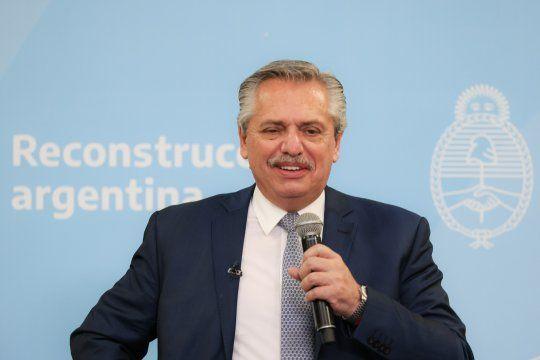 El presidente Alberto Fernández encabeza un acto desde Olivos
