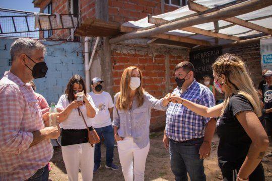 Tolosa Paz en una jornada de salud y enseñanza de oficios