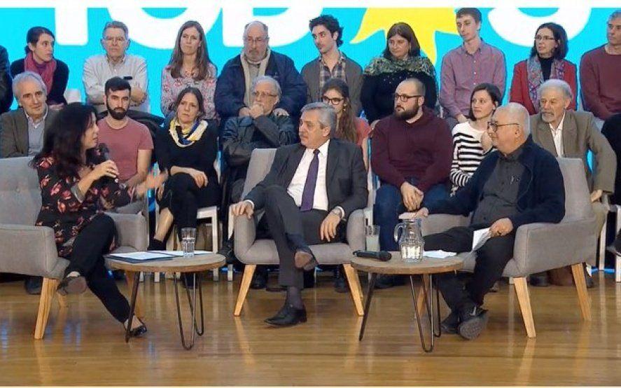 Alberto Fernández recibió el respaldo de más de 8 mil científicos de todo el país