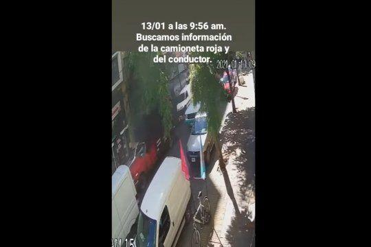 Buscan al conductor de una camioneta que atropelló y huyó