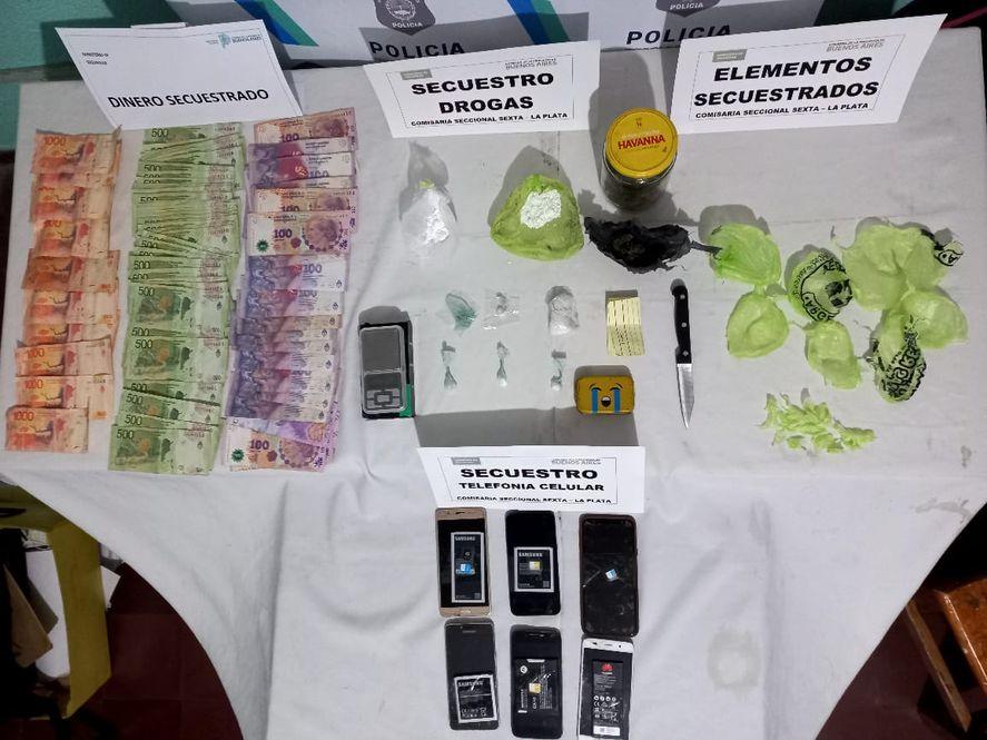 Algunos de los elementos secuestrados en los procedimientos policiales
