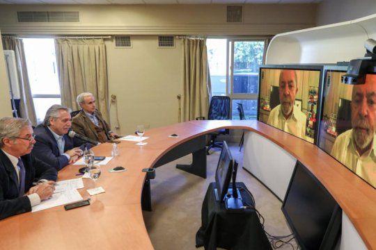 alberto encabezo una teleconferencia con expresidentes que conforman el grupo de puebla