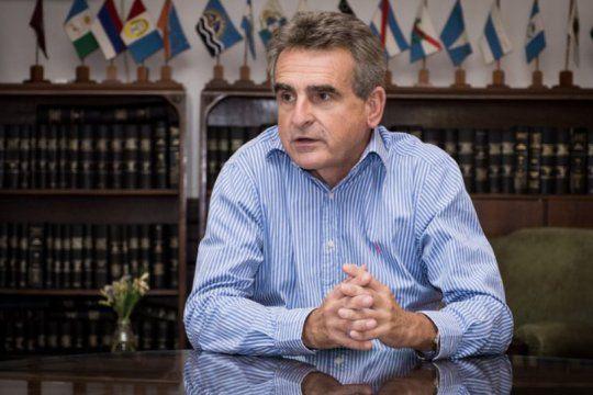 Agustín Rossi cuestionó a la mesa de enlace de los retirados de las Fuerzas Armadas.