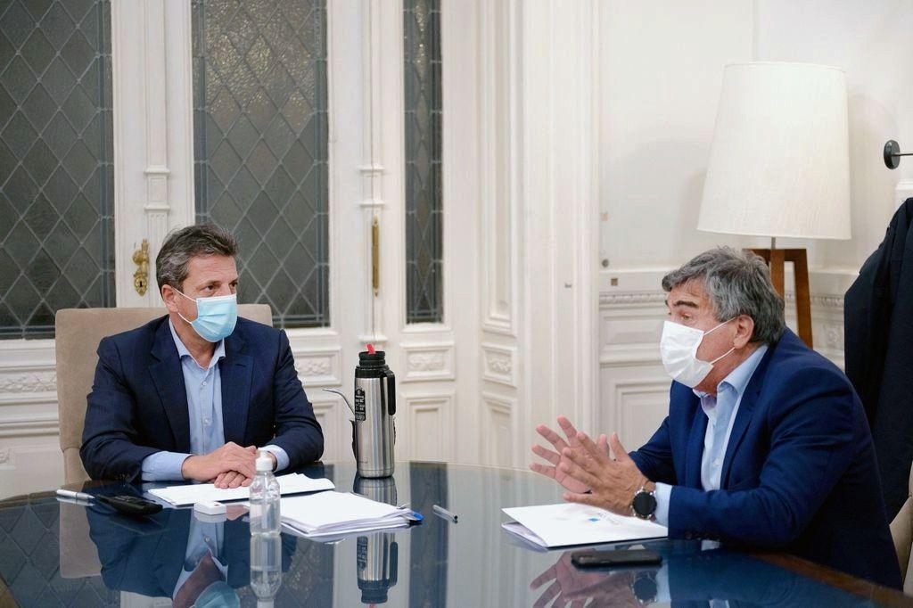El presidente de la Cámara de Diputados de la Nación, Sergio Massa junto a Claudio Ambrosini, titular de ENACOM