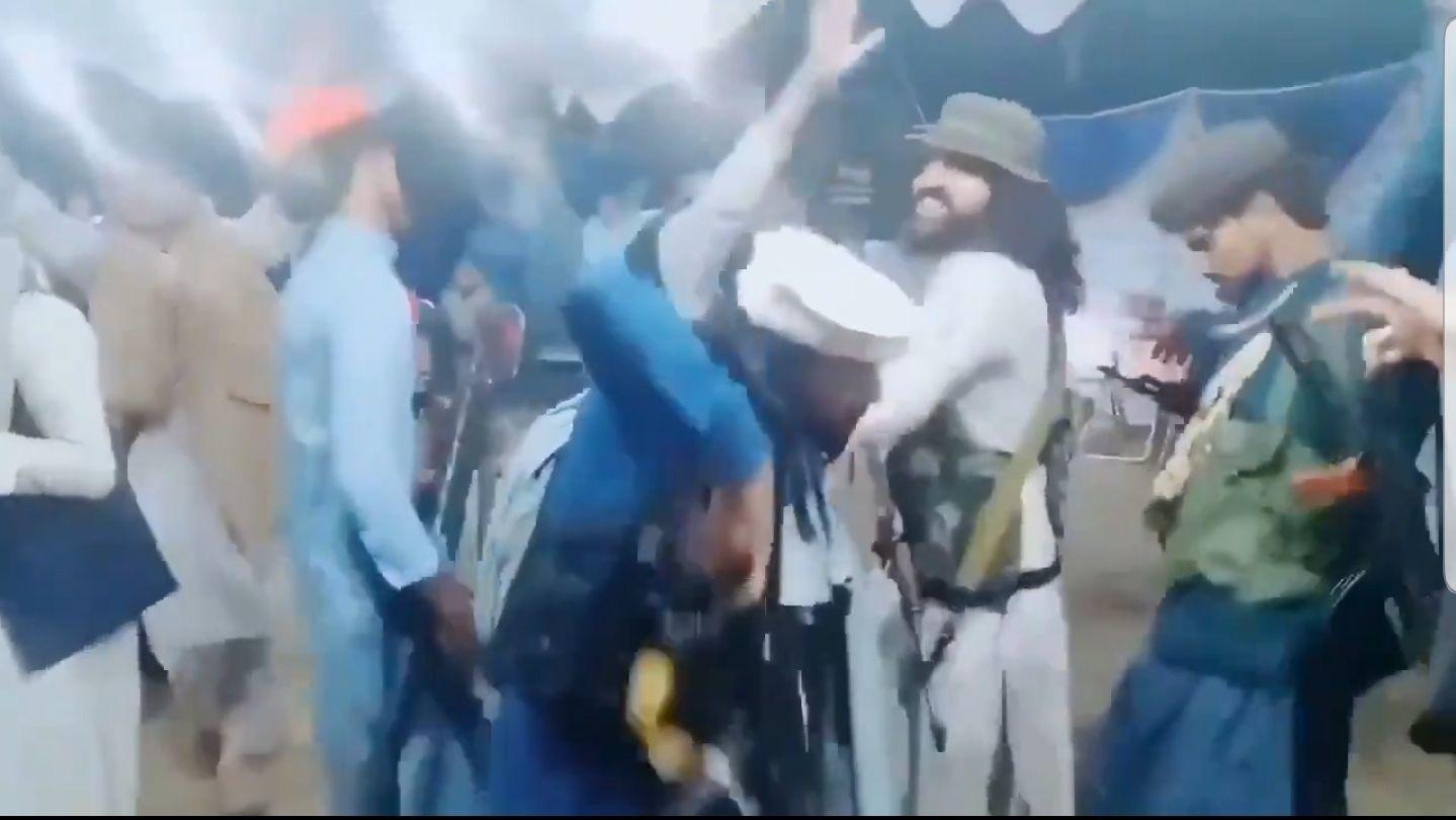 insolito: los videos mas delirantes de los taliban