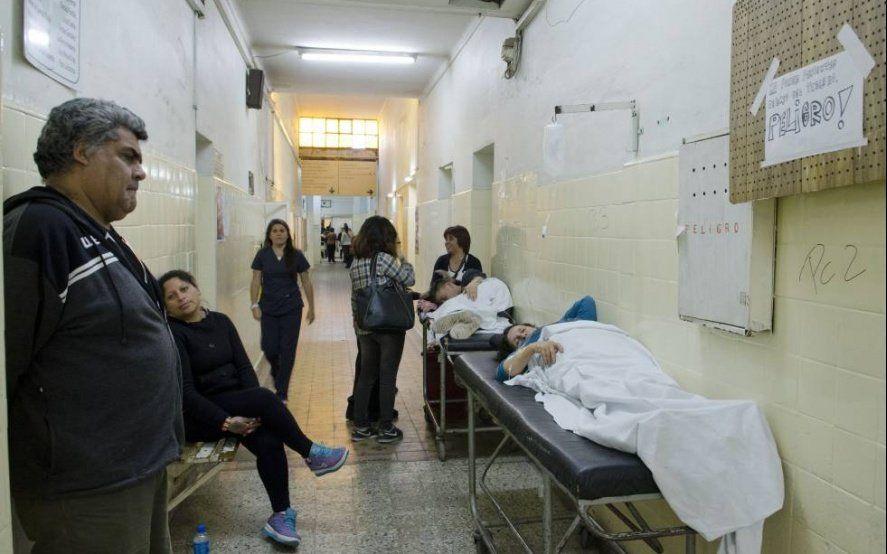 Quejas de médicos por las condiciones laborales y por la llegada de médicos cubanos