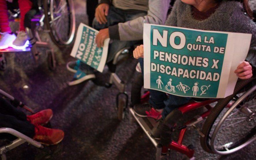 Reclaman que el Gobierno dejó afuera de las medidas anticrisis a más de un millón de personas con discapacidad