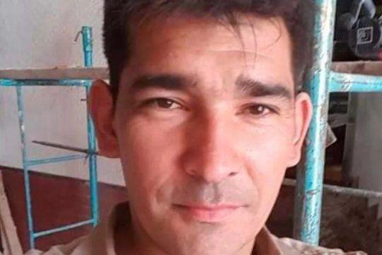 Justino del Valle Ríos tiene 30 años y lo buscan por el intento de femicidio