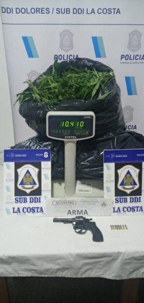 Santa Teresita: allanaron por un robo y encontraron más de 10 kilos de marihuana