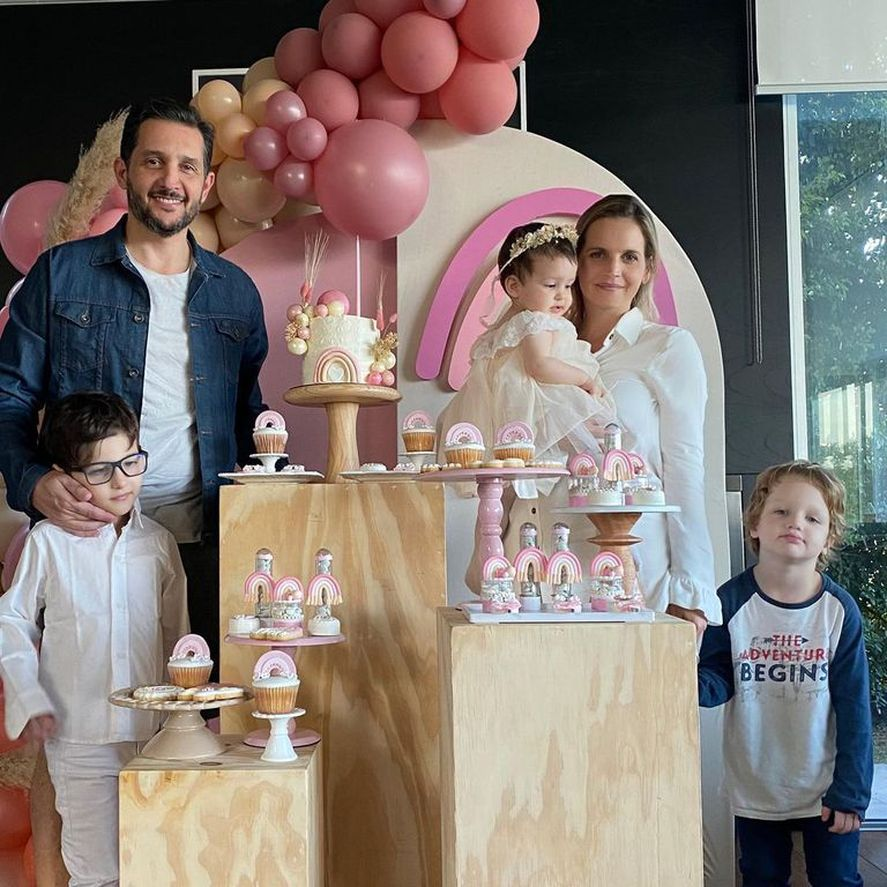 Sabrina Garciarena generó polémica por una foto junto a su hijo