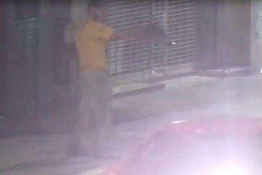 Con una réplica de arma de fuego amenazaba a la gente y fue detenido
