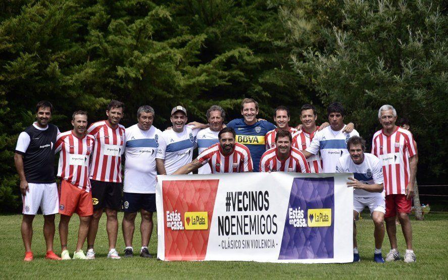 Junto a ídolos de Estudiantes y Gimnasia, Julio Garro jugó un partido de futbol