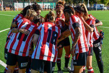 El fútbol femenino de Estudiantes pudo sumar de a tres.